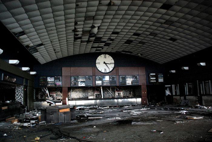 Занедбані театри (72 фото)
