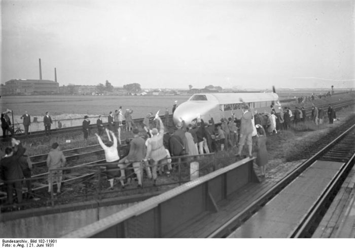 Рейковий дирижабль (Schienenzeppelin) (7 фото)