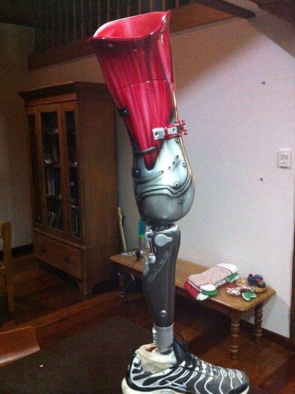 Класний протез (7 фото)