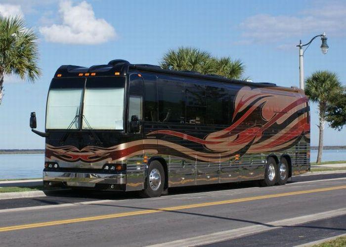 Кращий автобус для подорожей (21 фото)