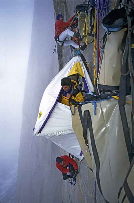 Де ночують альпіністи (17 фото)