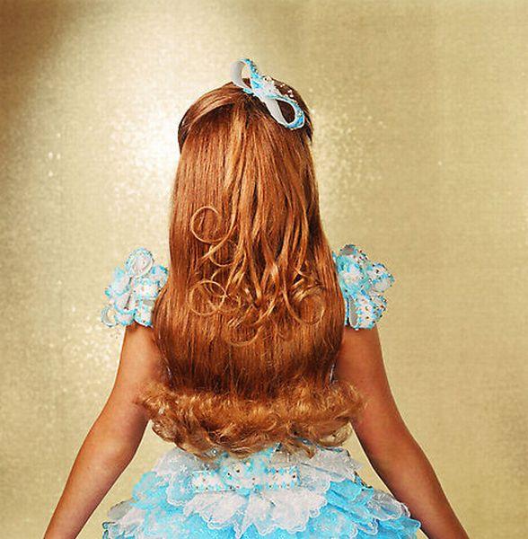Фотографії учасниць дитячих конкурсів краси (16 фото)