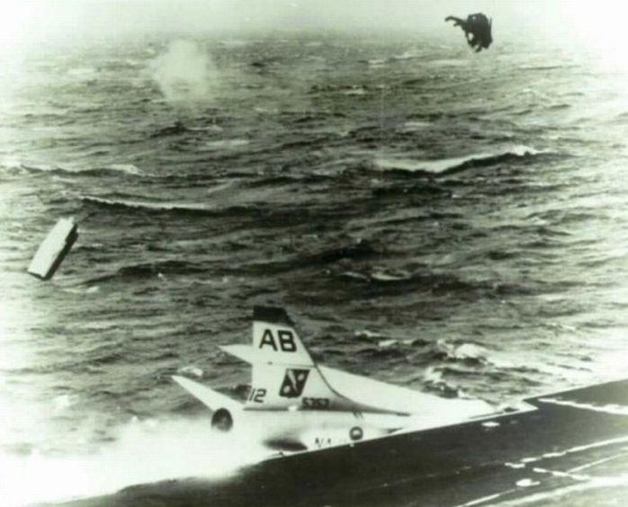 Пілоти, яким вдалося врятуватися (29 фото)