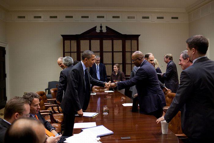 Як вітається Обама (10 фото)