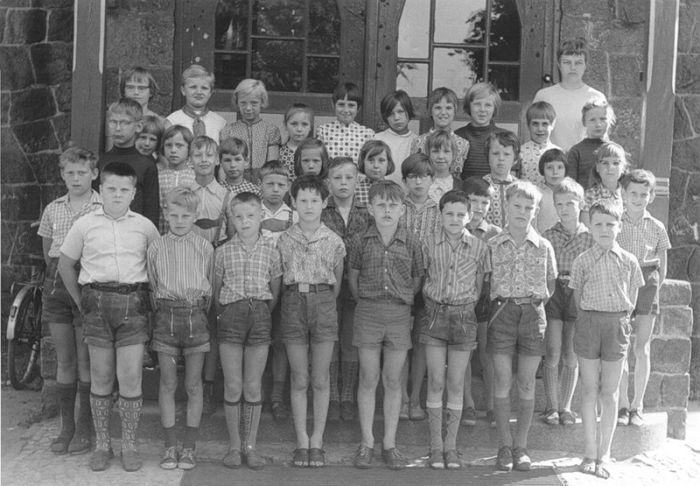 Французькі школярі тоді і зараз (7 фото)