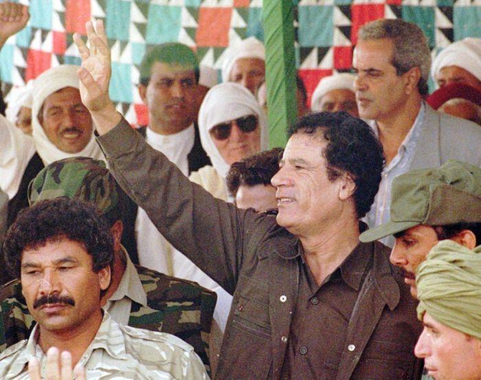 Як змінювався Муаммар Каддафі (24 фото)