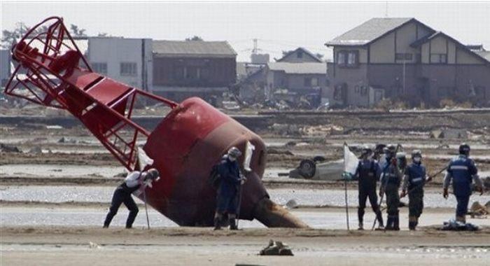 Японія місяць після катастрофи (85 фото)
