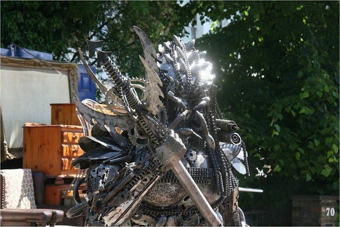 Скульптура хижака (12 фото)