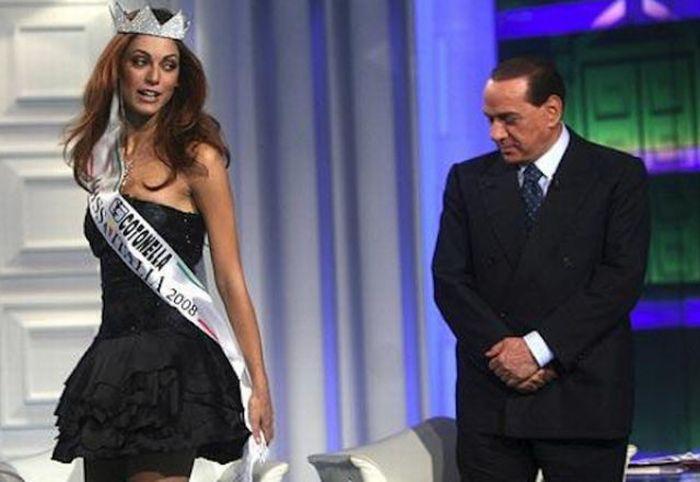 Жестикуляція Сільвіо Берлусконі (40 фото)