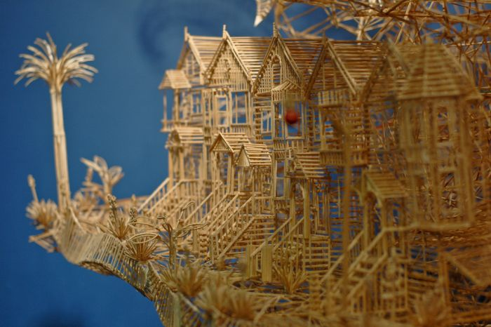 Дивовижна скульптура з 100 000 зубочисток (25 фото + відео)