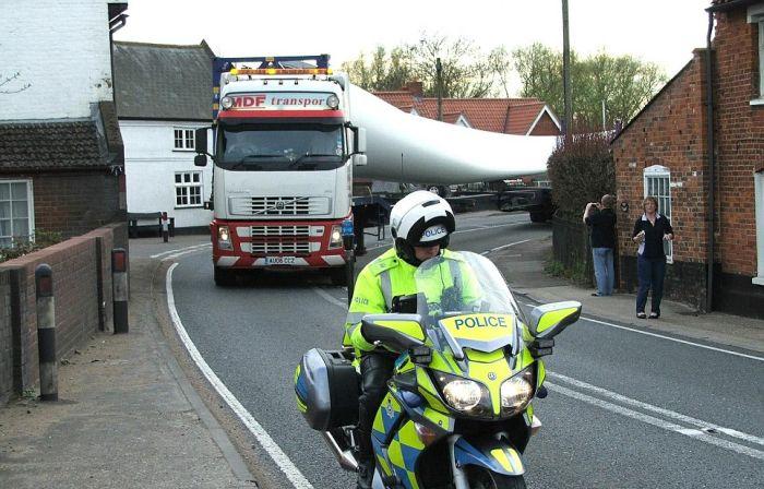 Труднощі перевезення (3 фото)