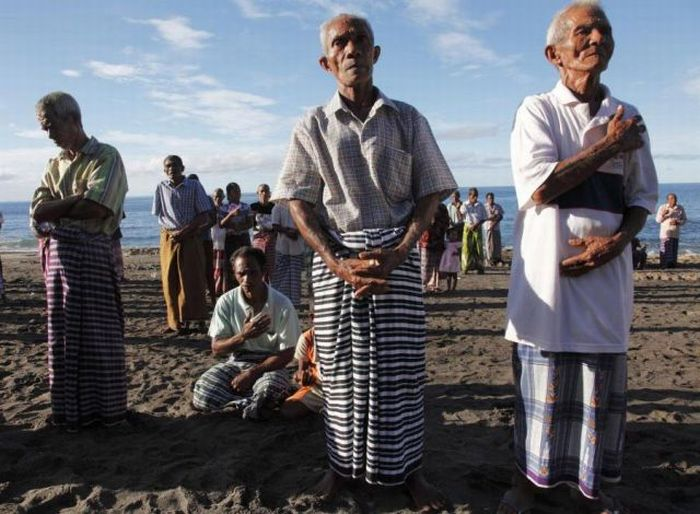 Рибалка в Індонезії (23 фото)
