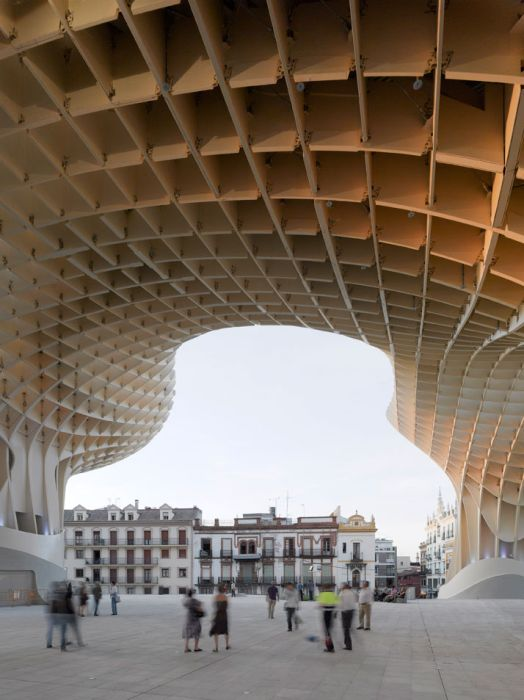 Найбільша деревяна скульптура в світі (17 фото)