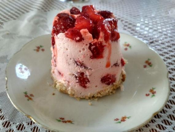 Быстрый клубничный десерт десерты,кулинария