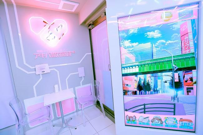 Японские девочки-припевочки покажут вам другую реальность: самое популярное кафе каваий открылось в Акихабаре Искусство