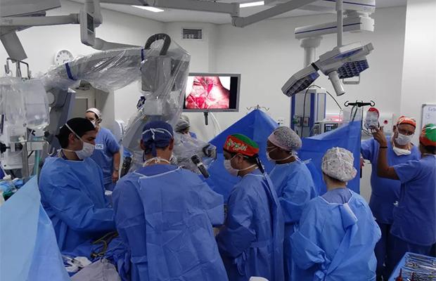 15 часов разделяли сиамских близнецов из Бразилии Изобретения