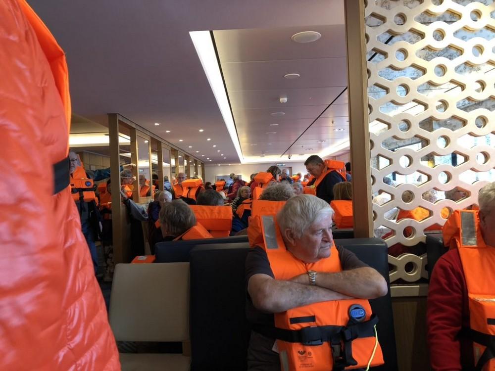 У берегов Норвегии терпит бедствие круизный лайнер, эвакуируют более 1300 человек МиР