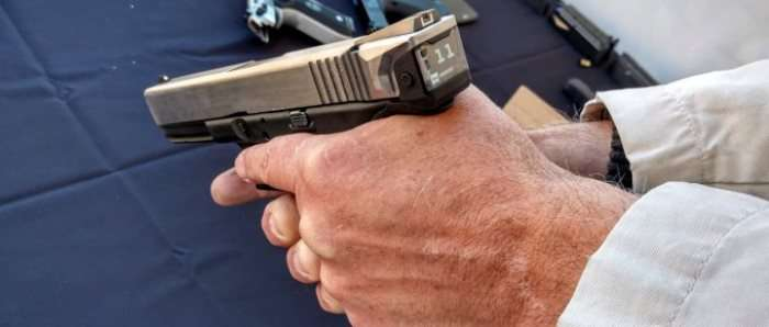 Американцы сделали «умный» пистолет с счетчиком патронов на дисплее хай-тек